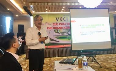 """Khả năng đứng dậy sau dịch của nền kinh tế Việt: """"Đứng thẳng – bứt phá"""" hay """"Lom khom lối cũ""""?"""