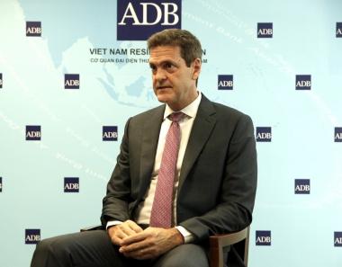 Giám đốc ADB: Việt Nam nên có chương trình chia sẻ rủi ro
