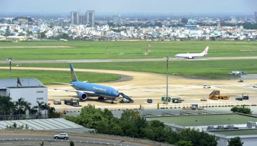 Phó Thủ tướng Trương Hòa Bình: Phải đảm bảo tuyệt đối an toàn tại 2 sân bay lớn