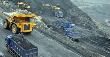 Lo tồn kho tăng cao, Bộ Công Thương kiến nghị cho phép xuất khẩu than