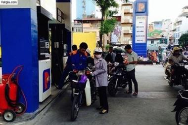 Giá xăng vẫn giữ nguyên ở mức 20.436 đồng/lít