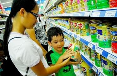 Giá sữa: Bất cập xuất phát từ khâu quản lý nhà nước