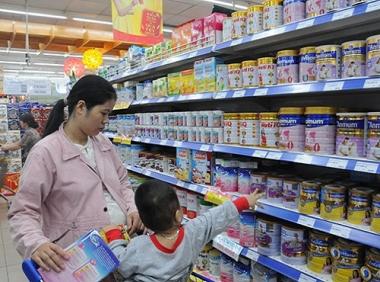 Sau khi loại chi phí quảng cáo, giá sữa giảm từ 1%-5,5%
