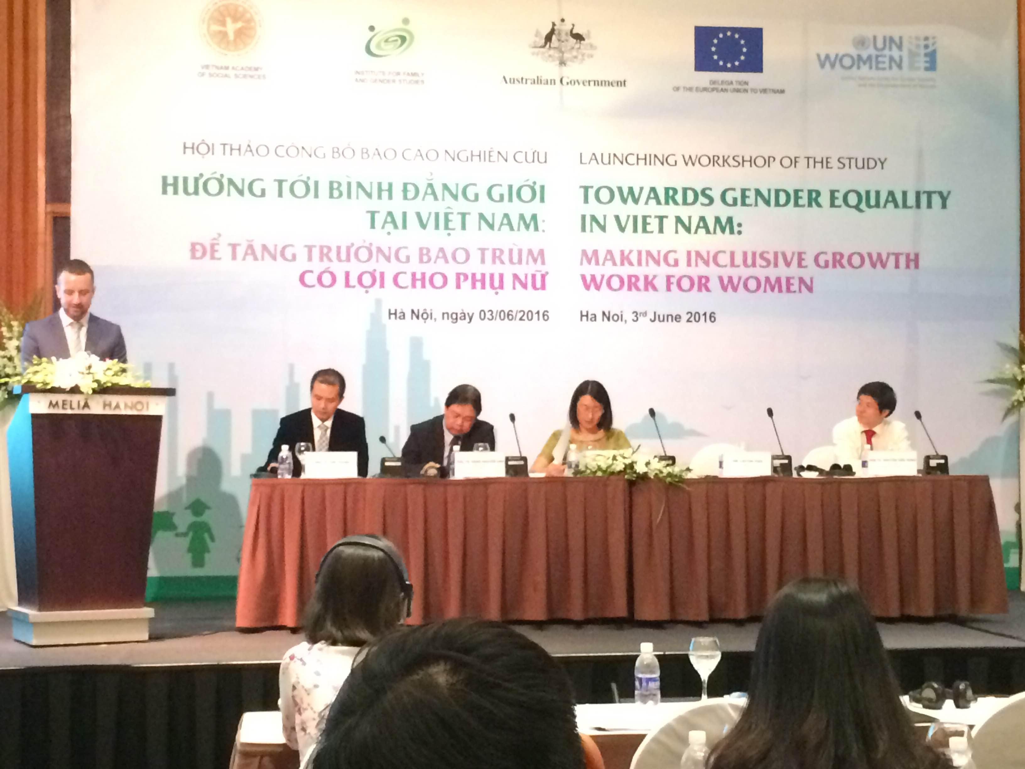 Đầu tư vào phụ nữ là đầu tư vào tăng trưởng kinh tế
