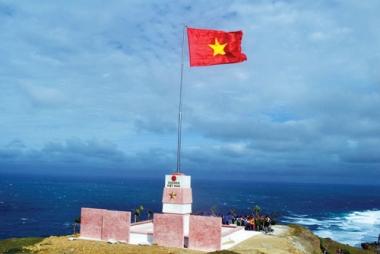 """Giữ vững chủ quyền Biển Đông trong """"thế trận"""" hiện nay"""