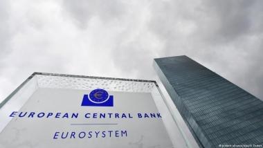 Lãnh đạo các ngân hàng trung ương lớn trên thế giới cảnh báo về chiến tranh thương mại