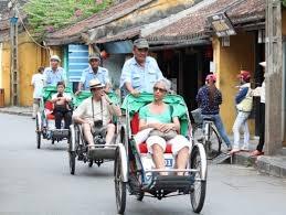 Khách du lịch đến Việt Nam tăng trở lại