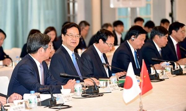 Thủ tướng tọa đàm với 15 tập đoàn hàng đầu Nhật Bản