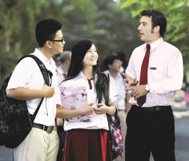 79% phụ huynh toàn cầu coi đại học là yêu cầu bắt buộc với con cái