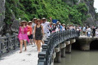 Du lịch Việt Nam: Trông người lại ngẫm đến ta!