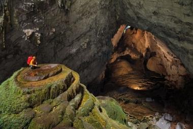 Dạo bước đến các hang động của vùng đất bấm máy Đảo Đầu Lâu