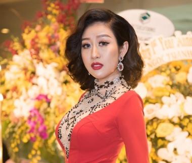 Nữ Hoàng Kim Trang cá tính nổi bật tại đêm sự kiện