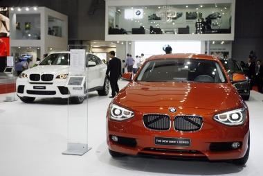 Sửa thuế ô tô: Giá các dòng xe trung bình giảm sâu