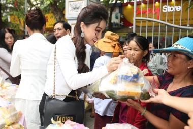 Hoa hậu Hồng Tươi tham gia thiện nguyện giúp bệnh nhân nghèo tại Huế