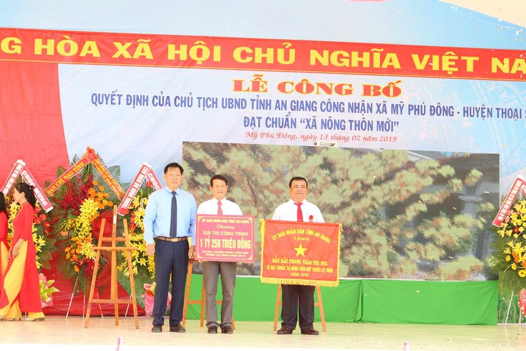 Huyện Thoại Sơn, tỉnh An Giang đạt chuẩn nông thôn mới năm 2018