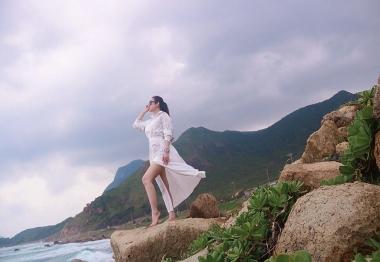Nữ hoàng sắc đẹp Kim Trang khoe nhan sắc 'vạn người mê' tại Côn Đảo