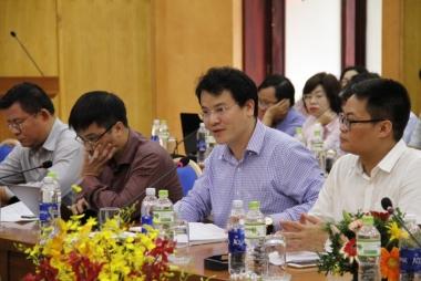 """""""Cửa nào"""" để cho Việt Nam tăng trưởng trong ngắn hạn?"""