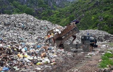 Hiện nay, có tới 69% bãi chôn lấp rác thải là không hợp vệ sinh