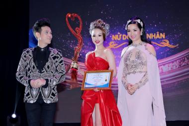 Lễ tôn vinh Nữ doanh nhân Sắc Tâm Tài 2017: Ấn tượng và hoành tráng