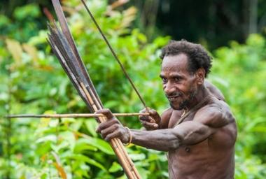 Khám phá 5 bộ tộc tách biệt với văn minh thế giới đáng kinh ngạc