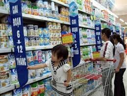 """""""Kìm chân"""" giá sữa: trả lại công bằng cho người tiêu dùng"""