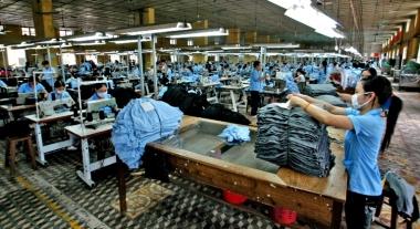 Mức đóng BHXH mới ảnh hưởng thế nào đến doanh nghiệp và người lao động?