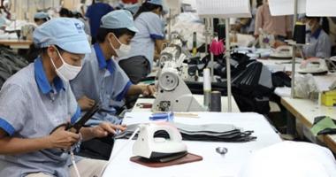 Vì sao xuất khẩu dệt may khó khăn?