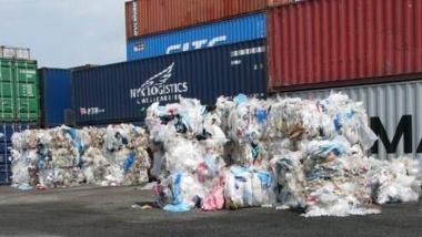 Yêu cầu tái xuất chất thải ra khỏi Việt Nam