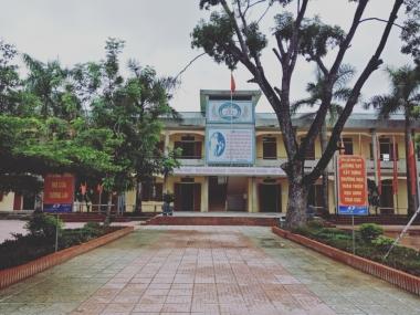 Trường THCS Hồ Tông Thốc vinh dự đón bằng công nhận trường đạt chuẩn quốc gia năm 2019