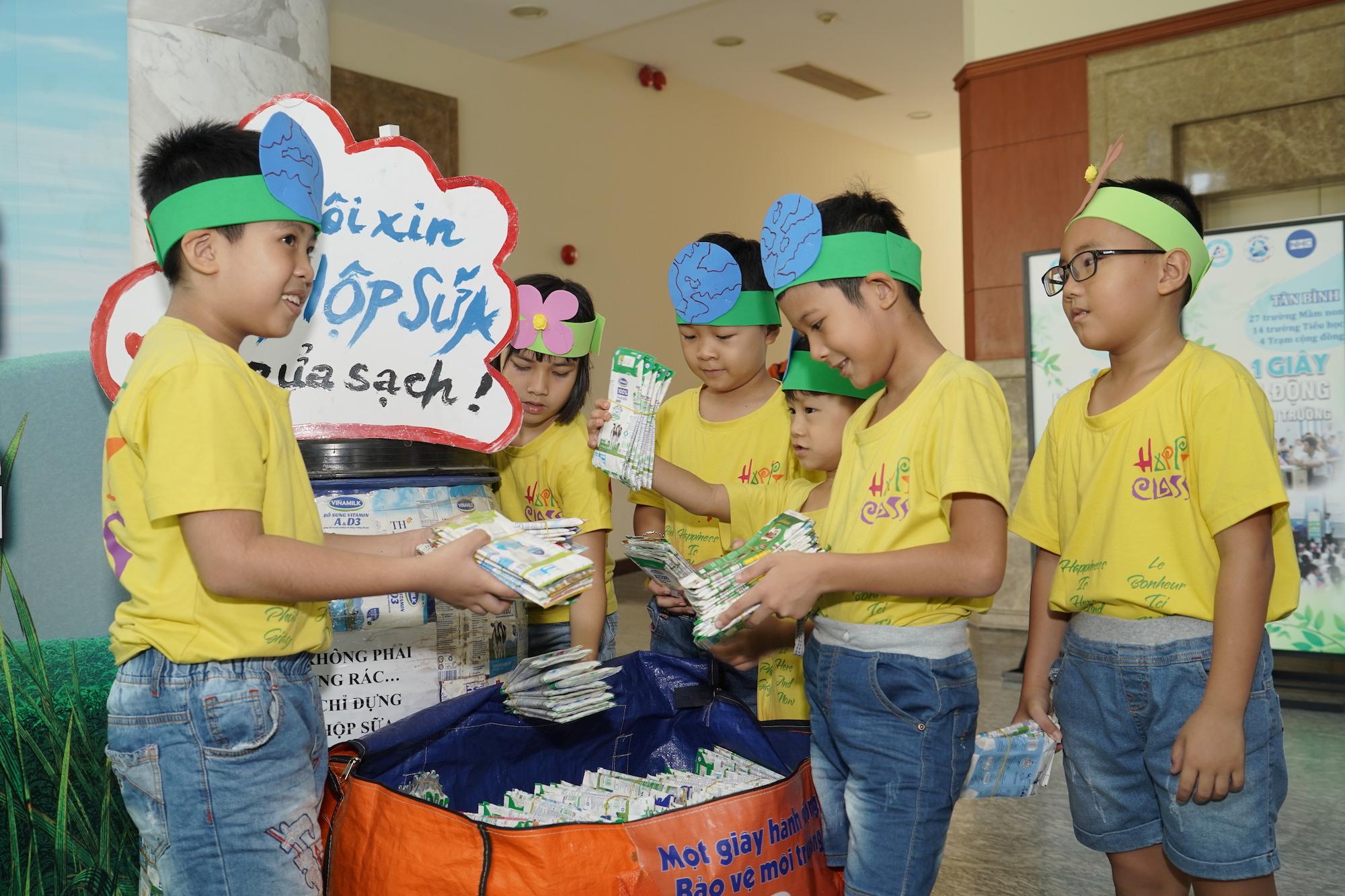Tetra Pak mở rộng chương trình tái chế học đường cho 1.600 trường học tại Hà Nội