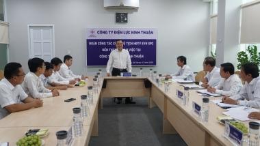 EVNSPC kiểm tra hoạt động cung cấp điện và tặng quà học sinh đồng bào dân tộc thiểu số tỉnh Ninh Thuận