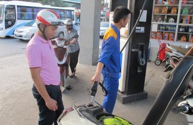 Giá xăng giảm mạnh từ 15h chiều nay