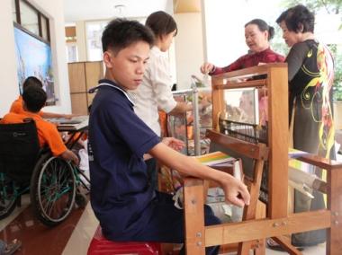 Nhà giáo dạy người khuyết tật được nhận thêm 70% mức lương hiện hưởng