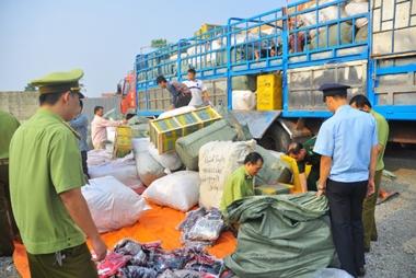 Cần nhiều biện pháp chống buôn lậu, hàng giả dịp Tết Đinh Dậu 2017