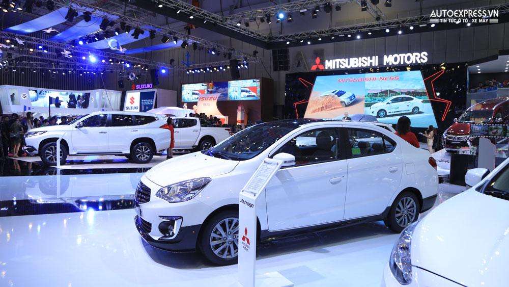 Tháng 10/2017, sản lượng tiêu thụ ô tô tiêp tục giảm mạnh