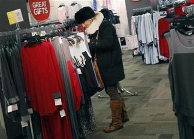 Người Anh thắt chặt hầu bao trước mùa mua sắm