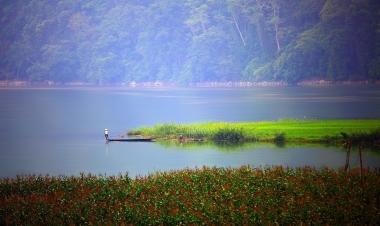 Hồ Ba Bể: Biển hồ trên núi, tiên cảnh giữa rừng