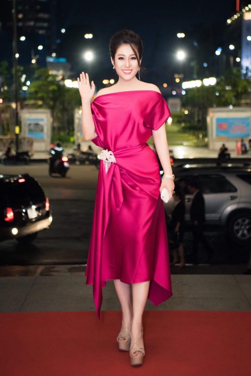 Xã hội - Nữ hoàng Kim Trang sang chảnh dự sự kiện, thu hút mọi ánh nhìn
