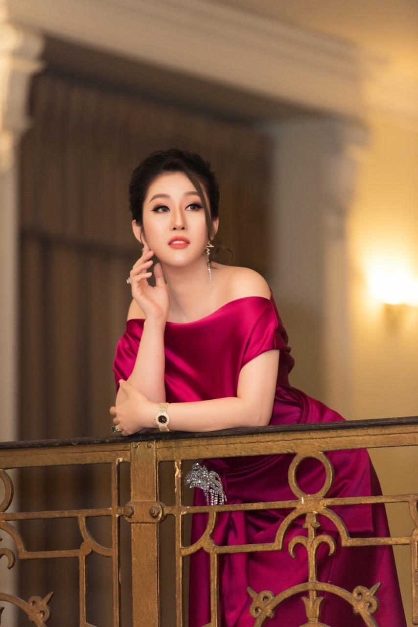 Xã hội - Nữ hoàng Kim Trang sang chảnh dự sự kiện, thu hút mọi ánh nhìn (Hình 6).