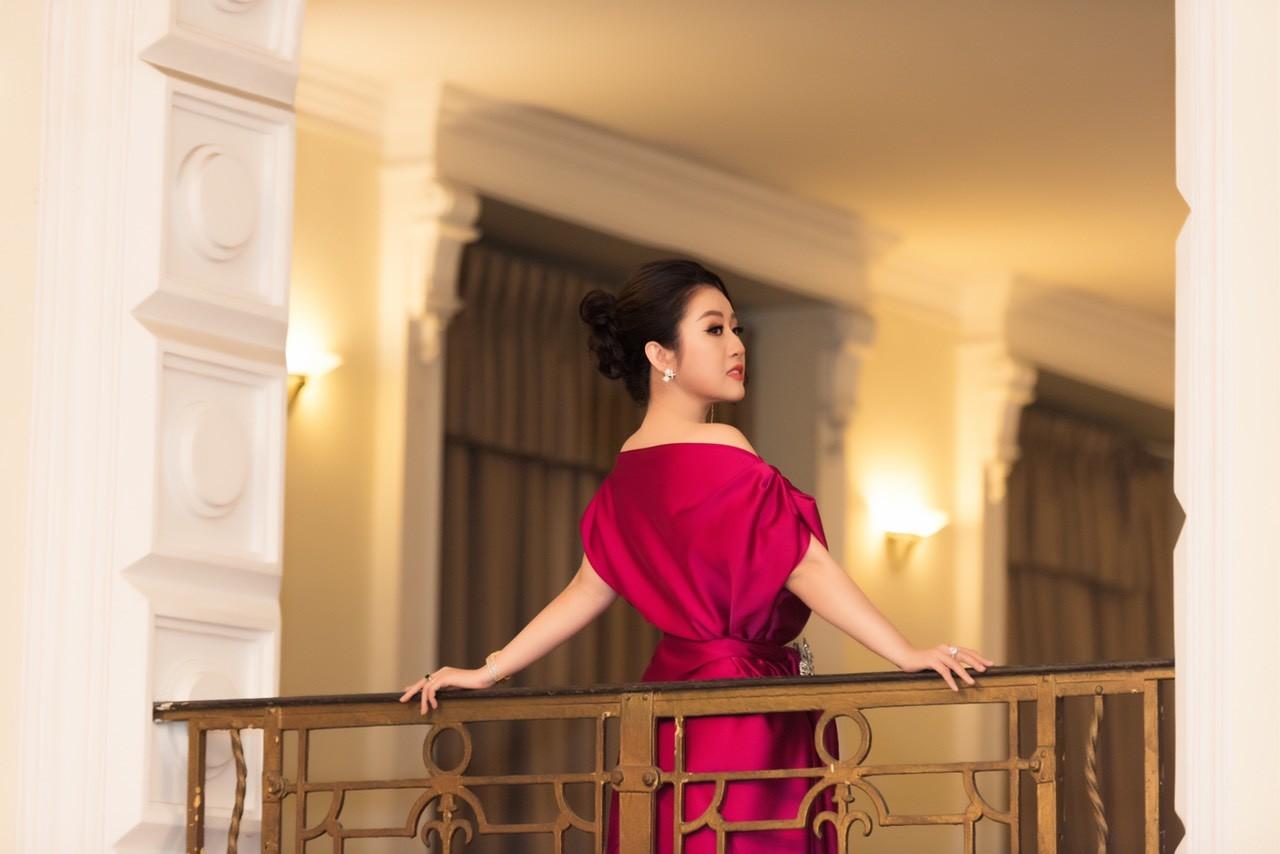 Xã hội - Nữ hoàng Kim Trang sang chảnh dự sự kiện, thu hút mọi ánh nhìn (Hình 7).