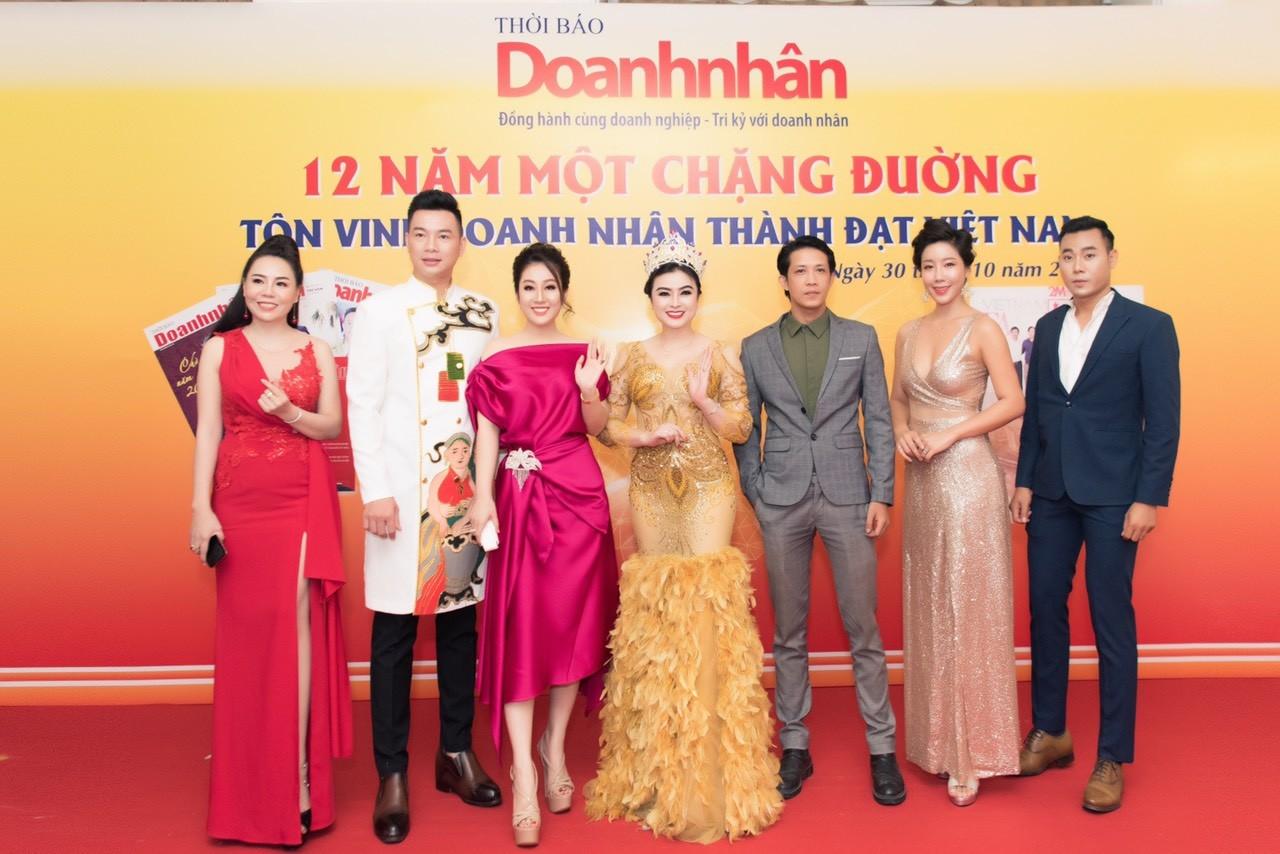Xã hội - Nữ hoàng Kim Trang sang chảnh dự sự kiện, thu hút mọi ánh nhìn (Hình 9).