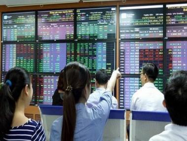 Kiểm định sự tồn tại và mức độ của tâm lý đám đông trên thị trường chứng khoán Việt Nam