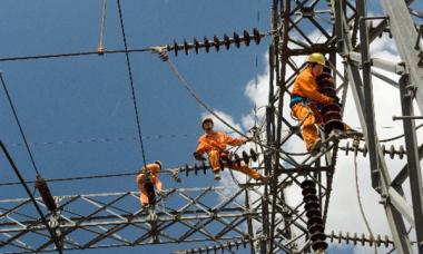 Nếu giảm độc quyền, giá điện ở Việt Nam sẽ rất rẻ