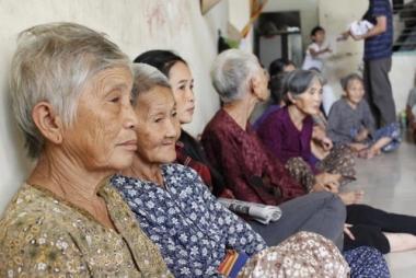 """Đông Á đối mặt với sự thách thức mang tên """"Già hóa dân số"""""""