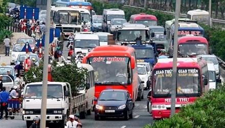 Bộ Tài chính đề nghị giảm giá cước vận tải do xăng dầu giảm mạnh