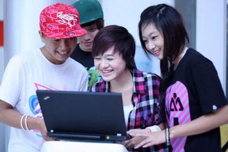 Năm 2015: Tỷ lệ người dùng Internet tại Việt Nam đạt 52% dân số
