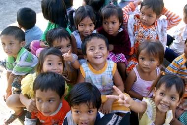 Phấn đấu 90% trẻ em có hoàn cảnh đặc biệt được trợ giúp
