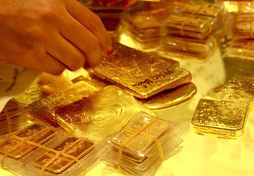 Giá vàng trong nước giảm mạnh sau quyết định tăng lãi suất của FED
