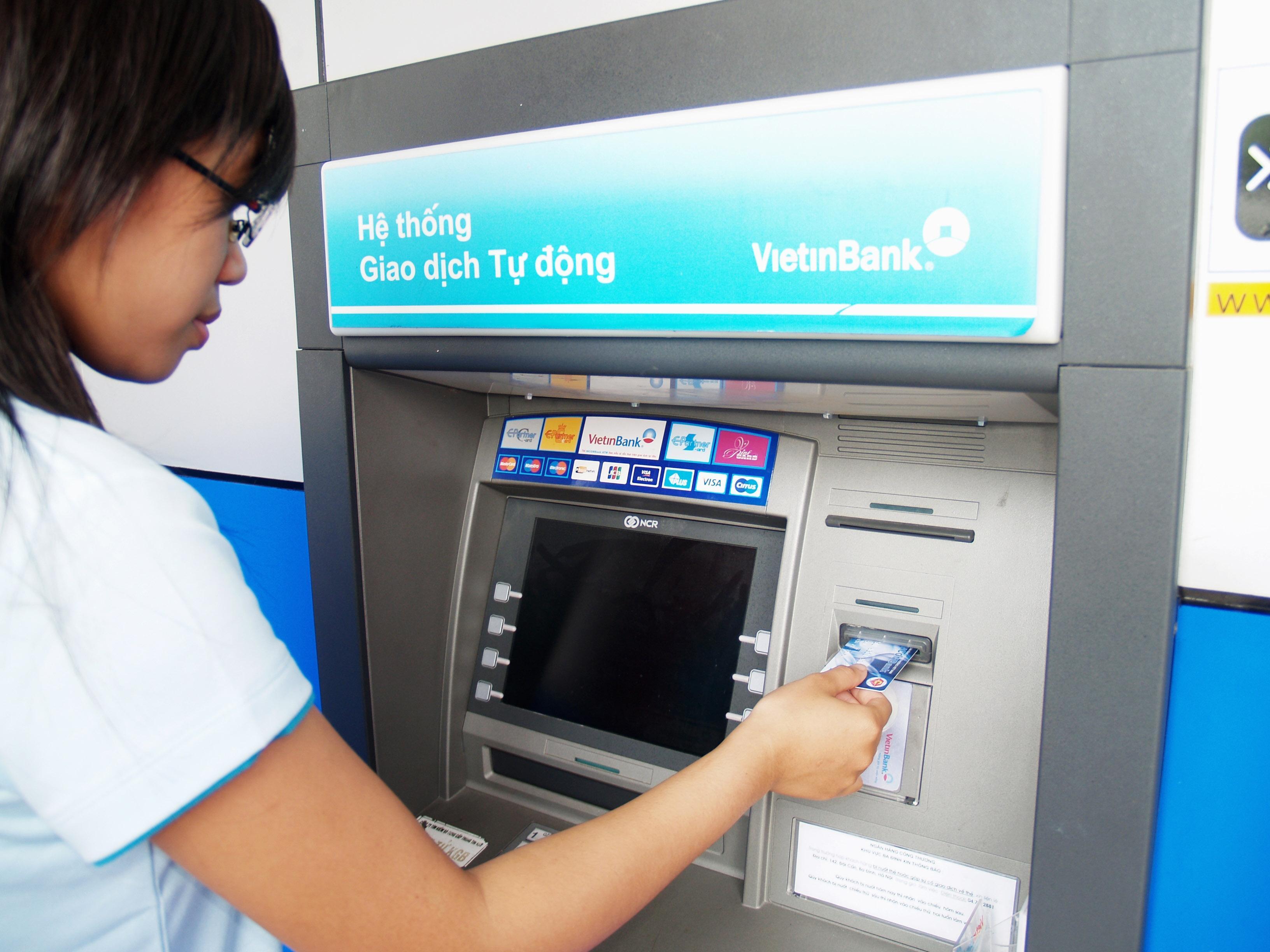 """Không để ATM """"nghẽn"""" trong dịp Tết Nguyên đán"""