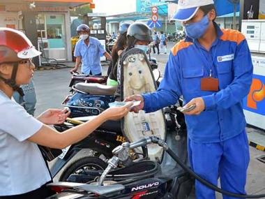 Giá xăng tăng cao nhất trong năm từ 15h chiều nay (20/12)